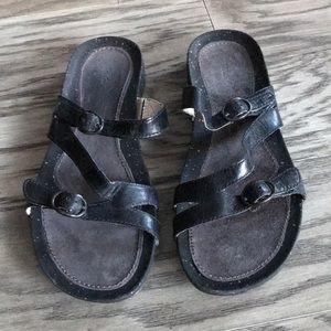 🌞🌻 Teva summer sandals size 9